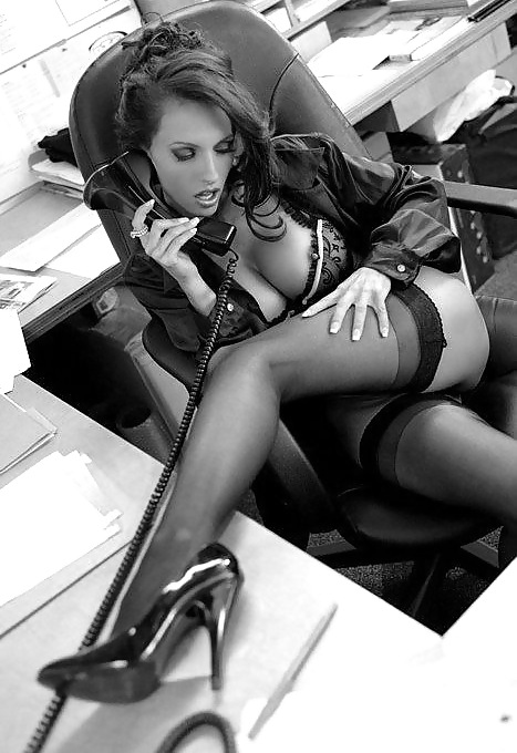 фото ню бизнес леди