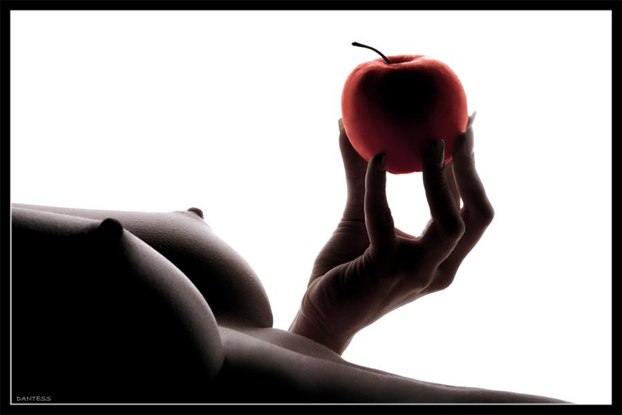 Изящество груди беспокоит женщин. . Проблема сбережения красоты бюста стои