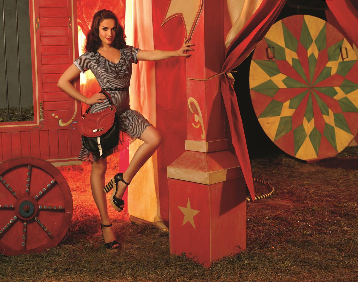 Рассказы о лесбиянках в цирке 12 фотография