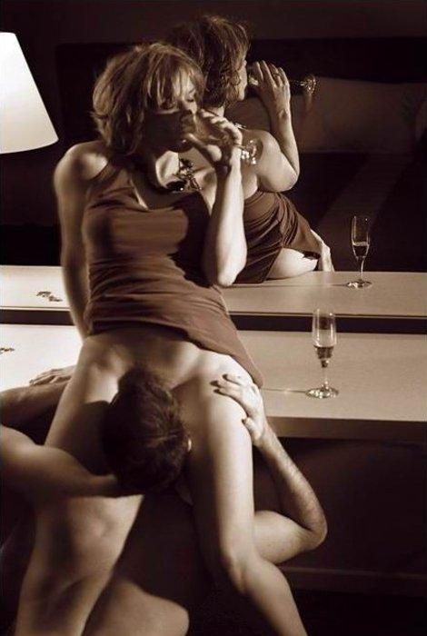eroticheskie-foto-na-stol