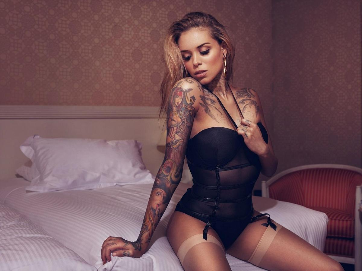 Фото татуированных девушек 13 фотография
