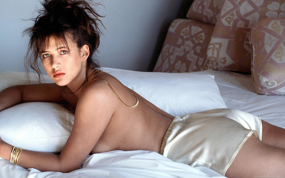 сайты тоже французские секси герл фото свою жопу пробкой