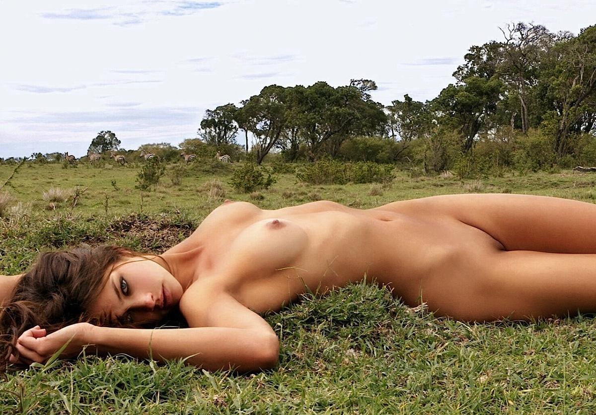 Фото голых девушек на прероде 21 фотография