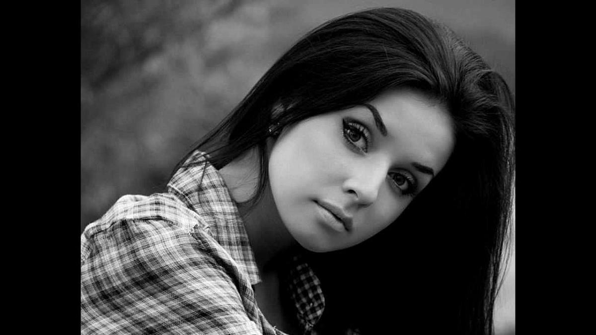 Фото одной девушки брюнетки для фейка 2 фотография