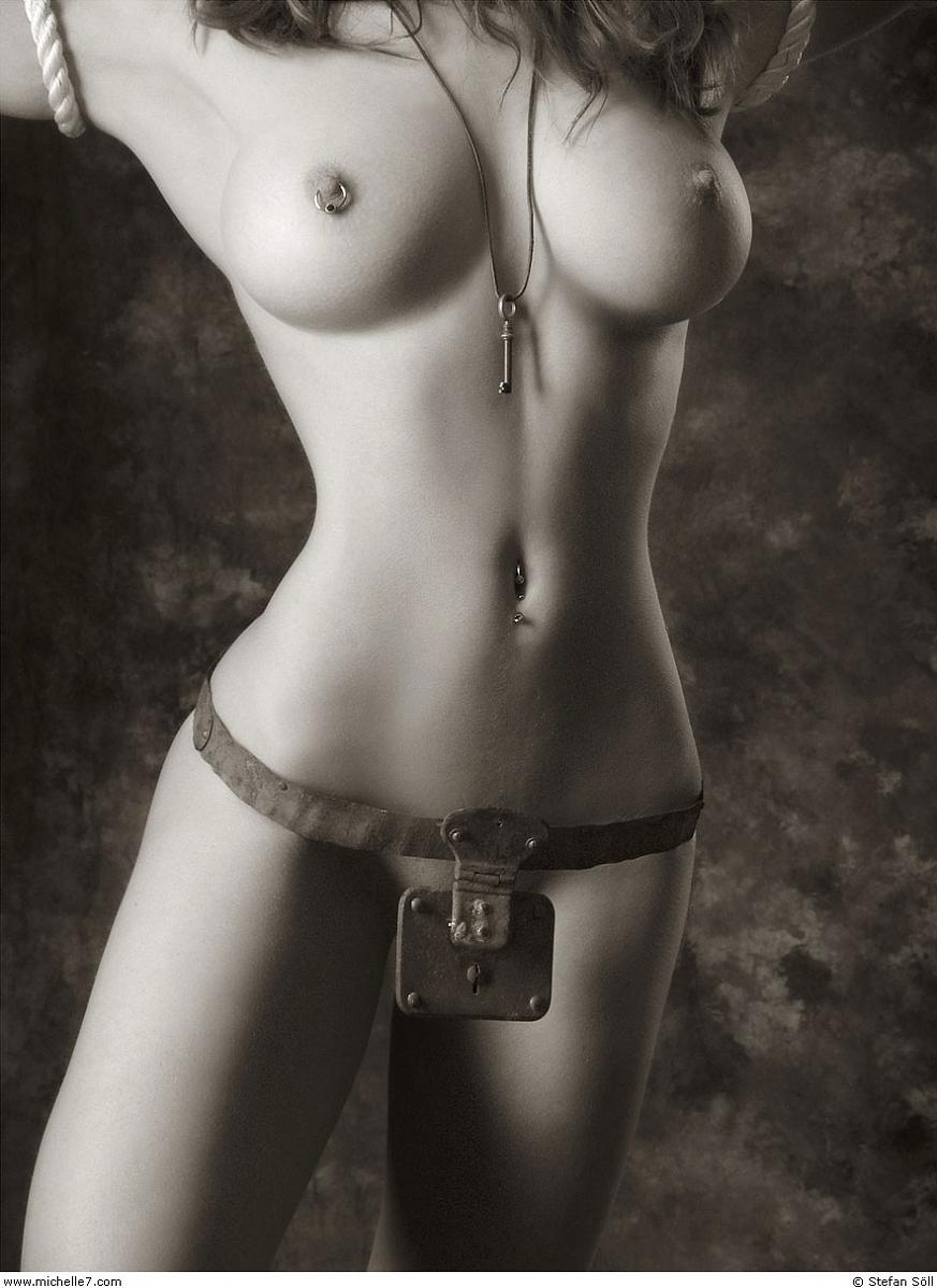 cherno-belie-eroticheskie-foto-devushek