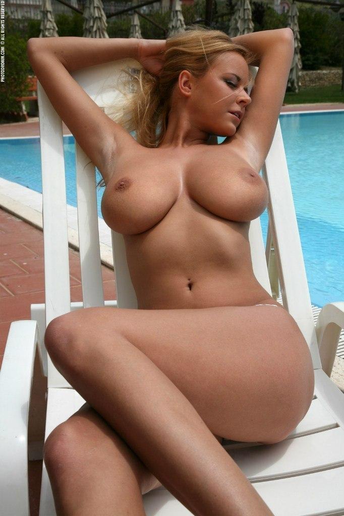 Женщины обнаженные красивые кр план бляди, фильм порно порнушка
