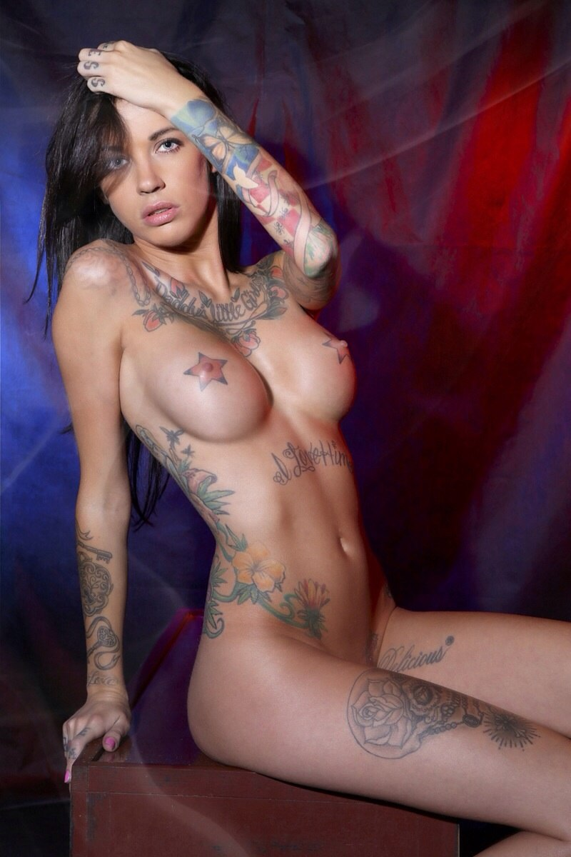 naked-tattoo-models