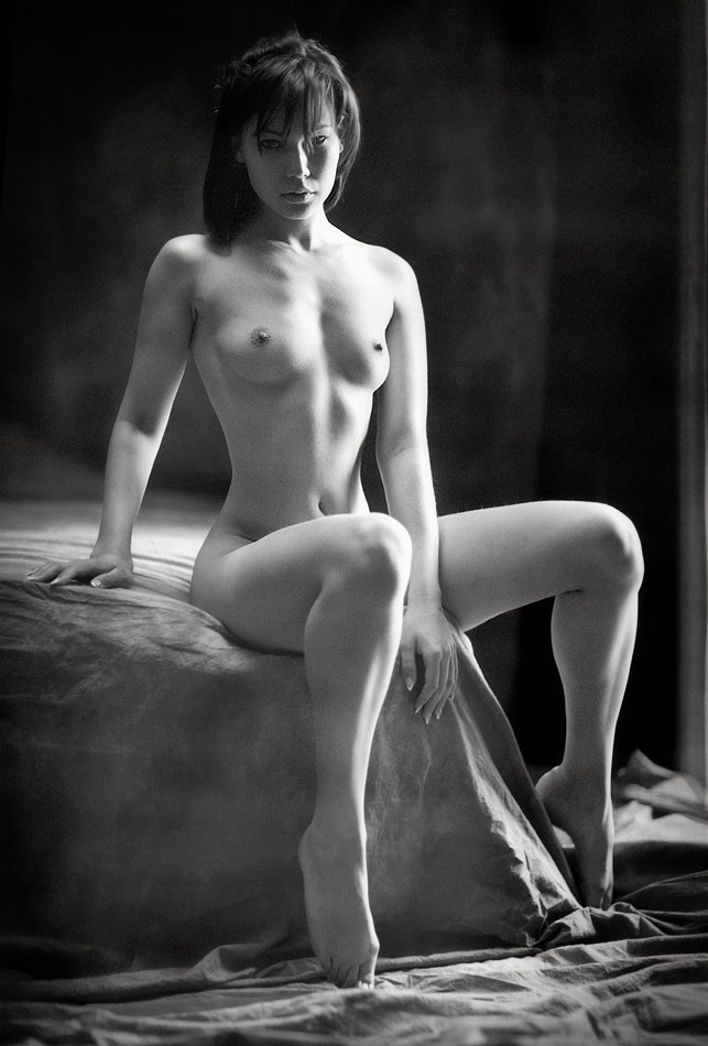 Professional nude french model 1