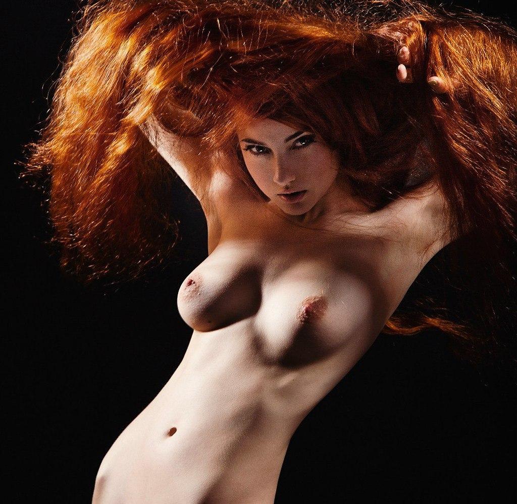 porno-doyarkami-fotosessiya-devushki-erotika-rizhaya-miheeva