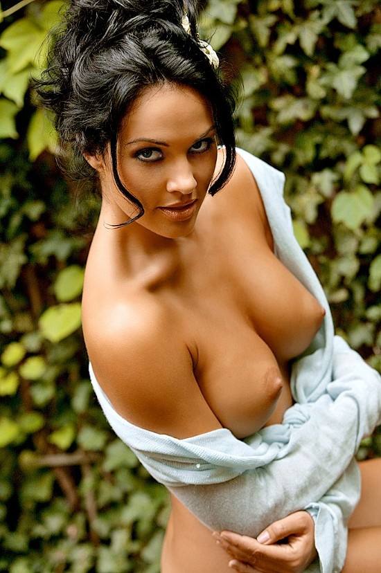 naked-boobs-of-ehra-madrigal