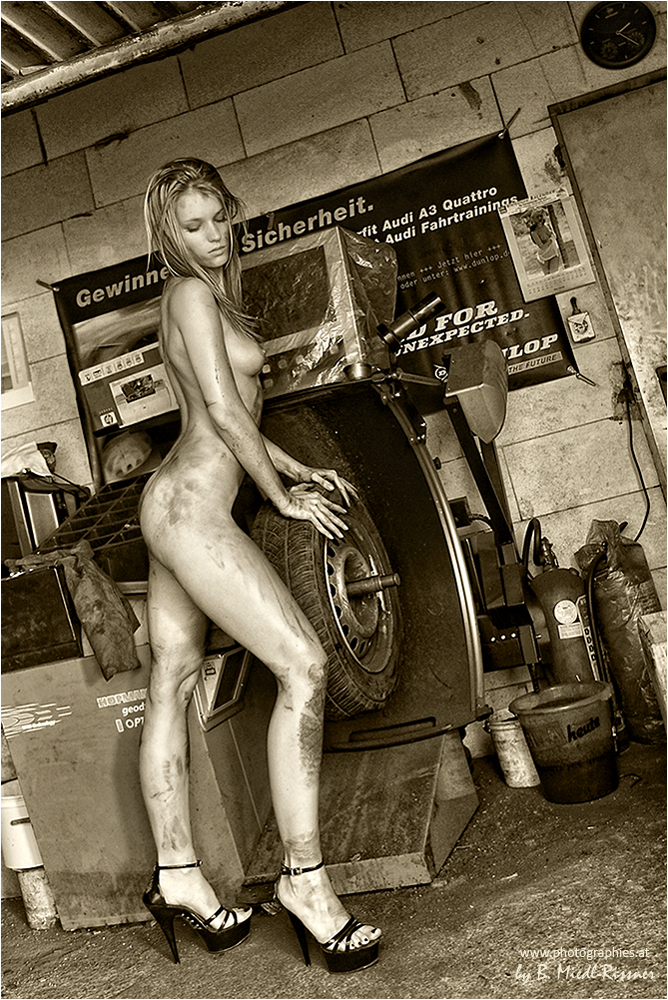 girls-mechanic-porn