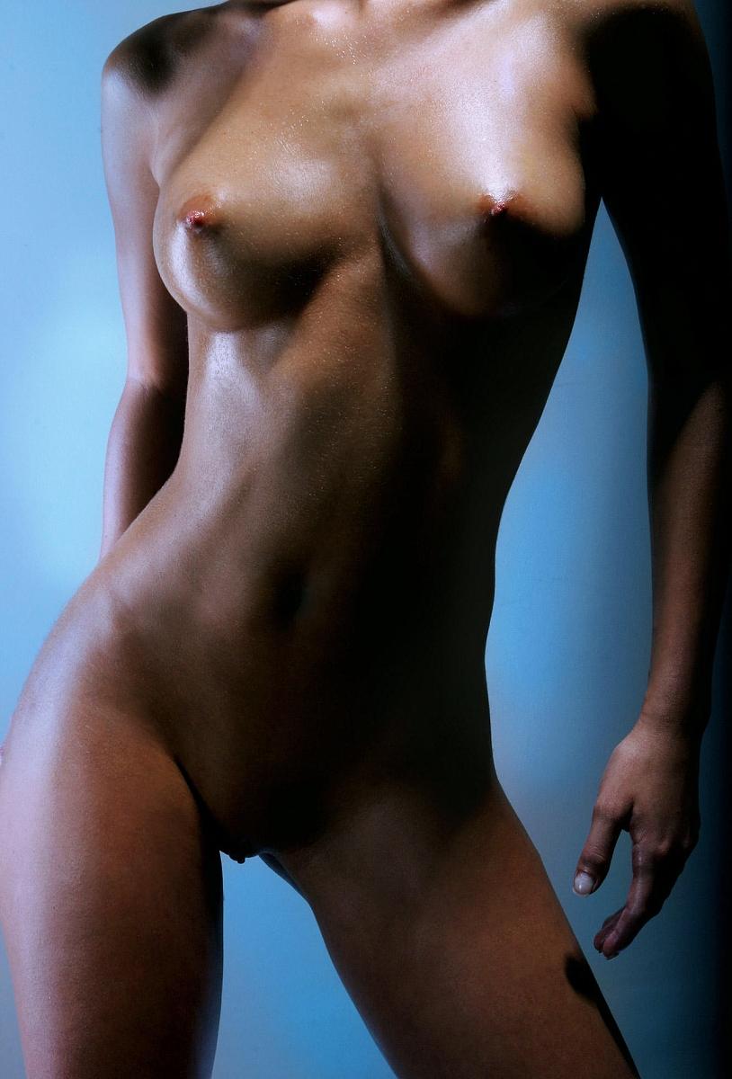 идеальное тело у девушки обнаженка потратить часть
