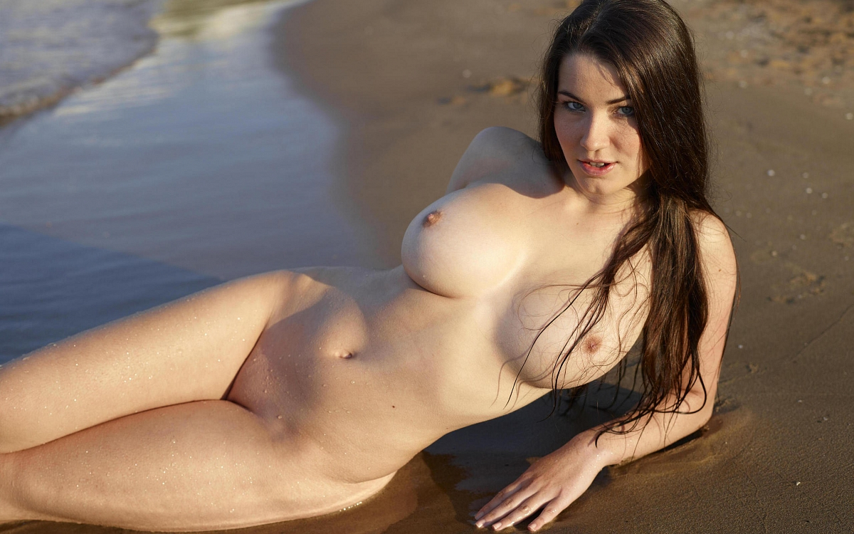 Great looking naked women — pic 2