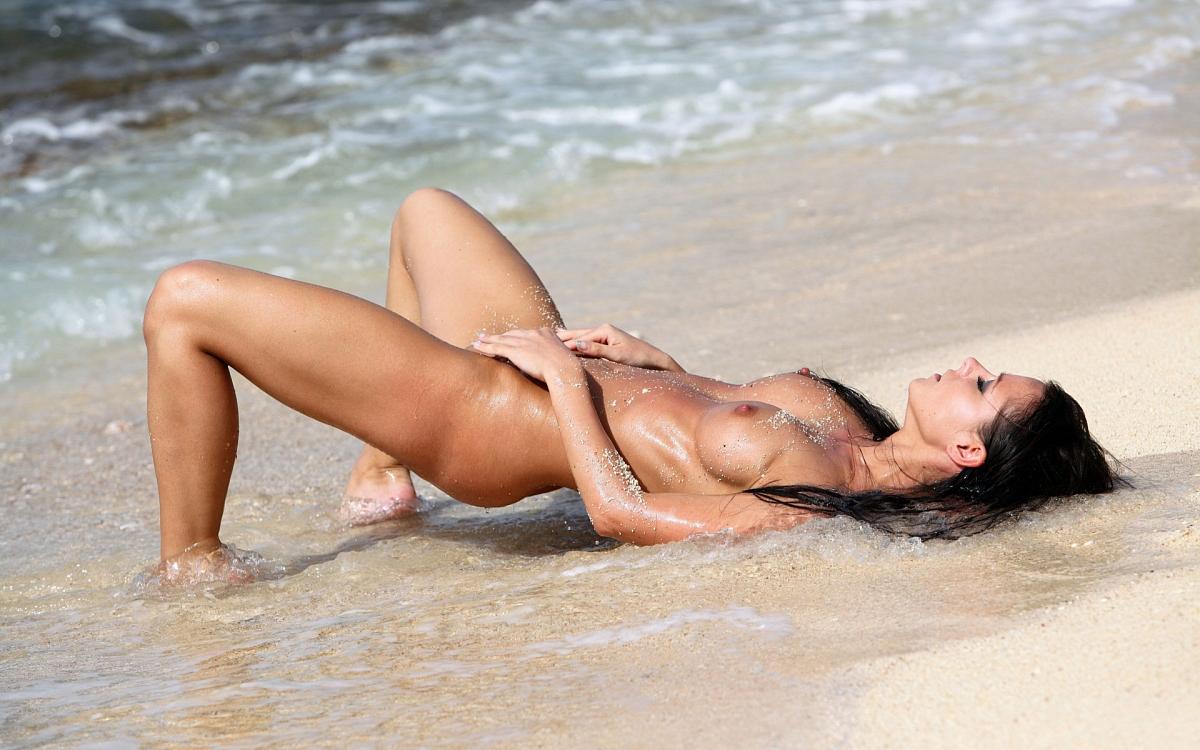 повезло она интим фото девушки на пляже нас поздравить