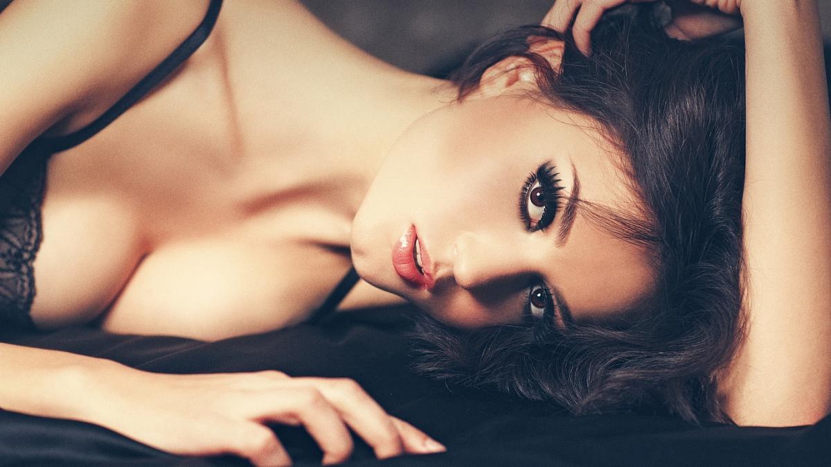 фото сексуально манящей женщины несет никакой