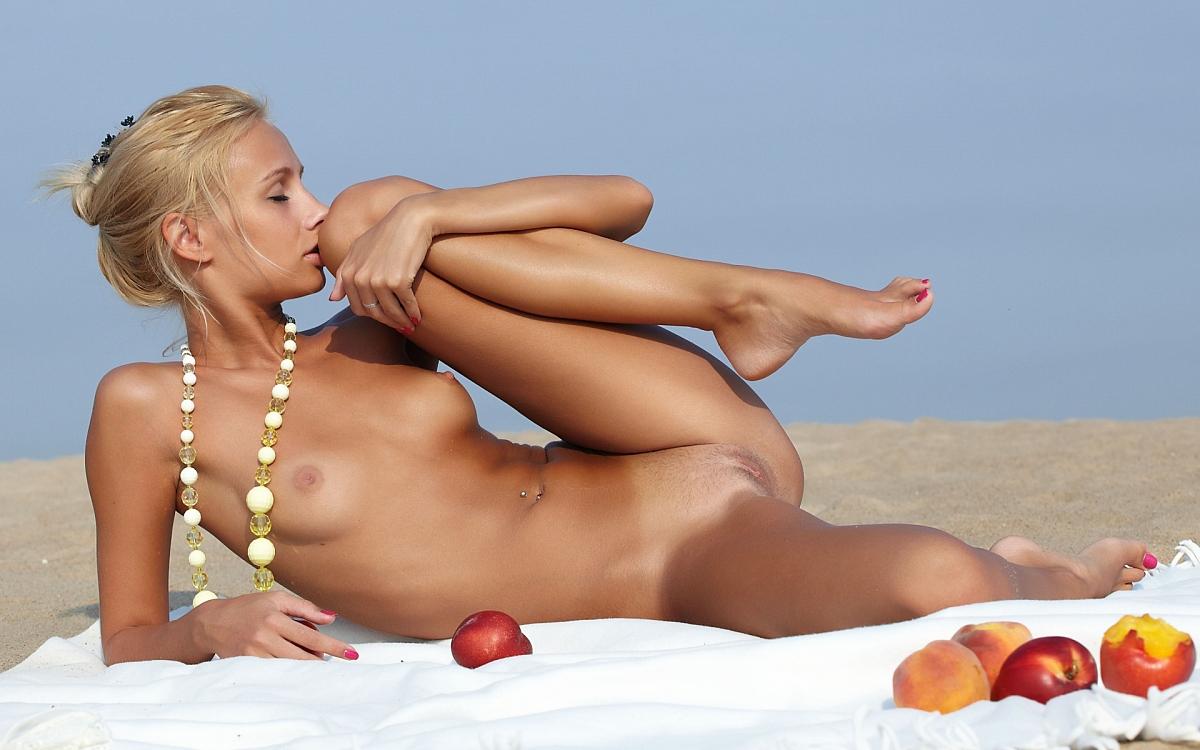 Nude spread eagle beach babes, virgin home alone porn