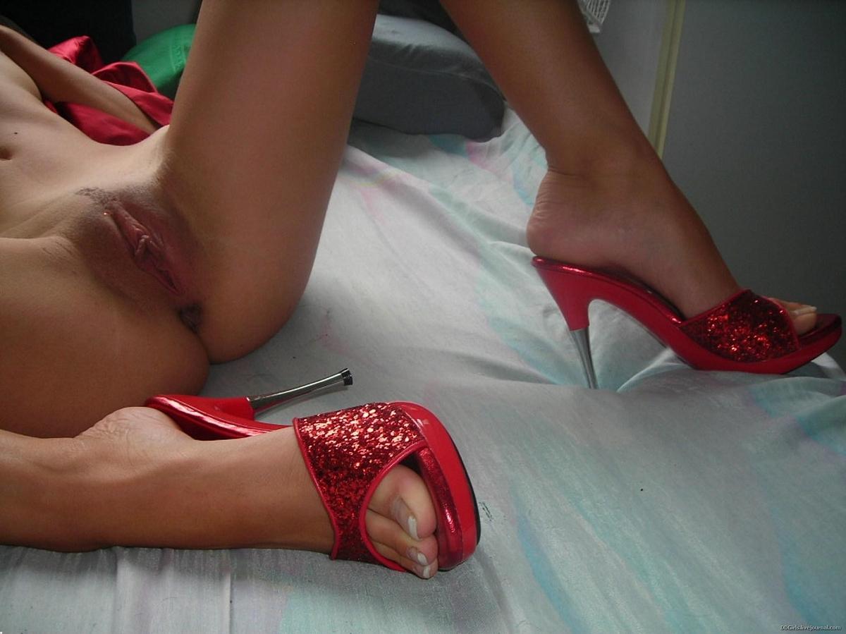 секс фото нога на ногу - 12