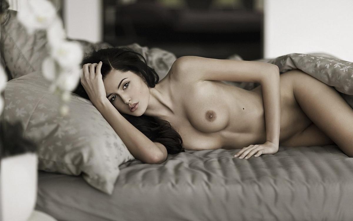 Sexy necked photo — pic 4