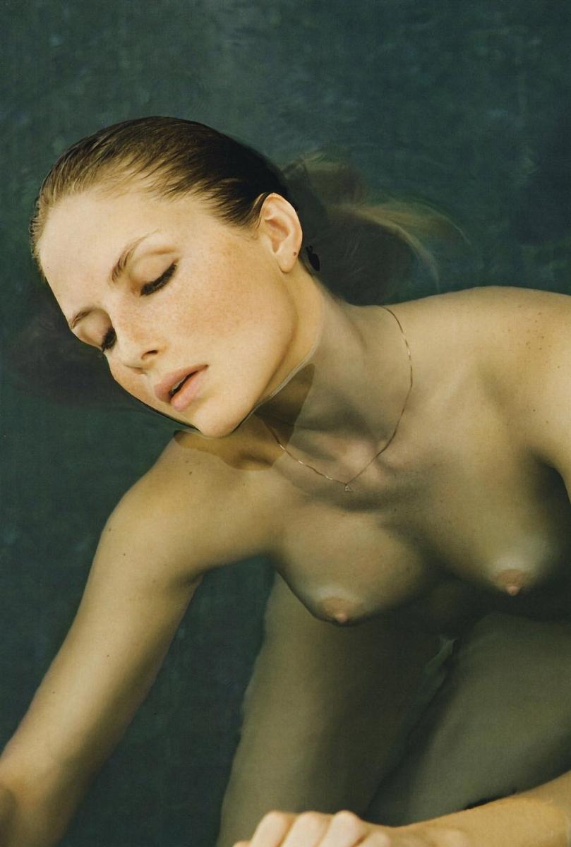 Naked ana claudia — 13